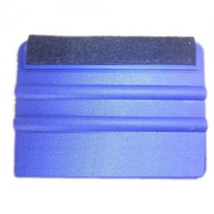 Plastová stěrka s filcem